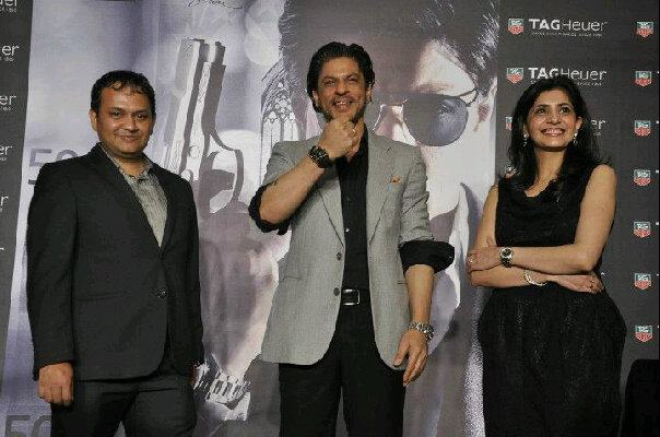 Manishi with SRK at Tag Heuer